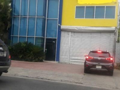 Edificio Comercial e Industrial en La Española, Santiago