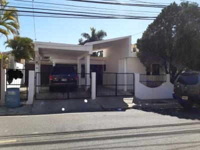 Residencia en Venta en el Embrujo I, Santiago