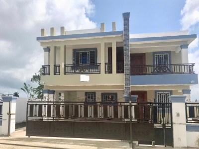 Preciosa Casa en Venta en Residencial Hispanoamericana