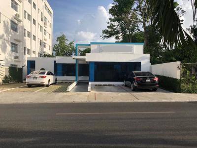 Fina Edificación Comercial Disponible en Santiago.