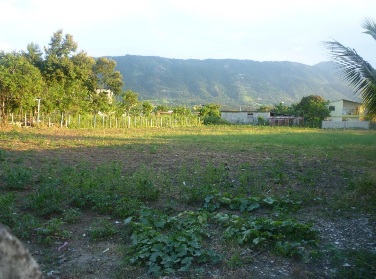 Venta de solar C/ Jarabacoa-Constanza.