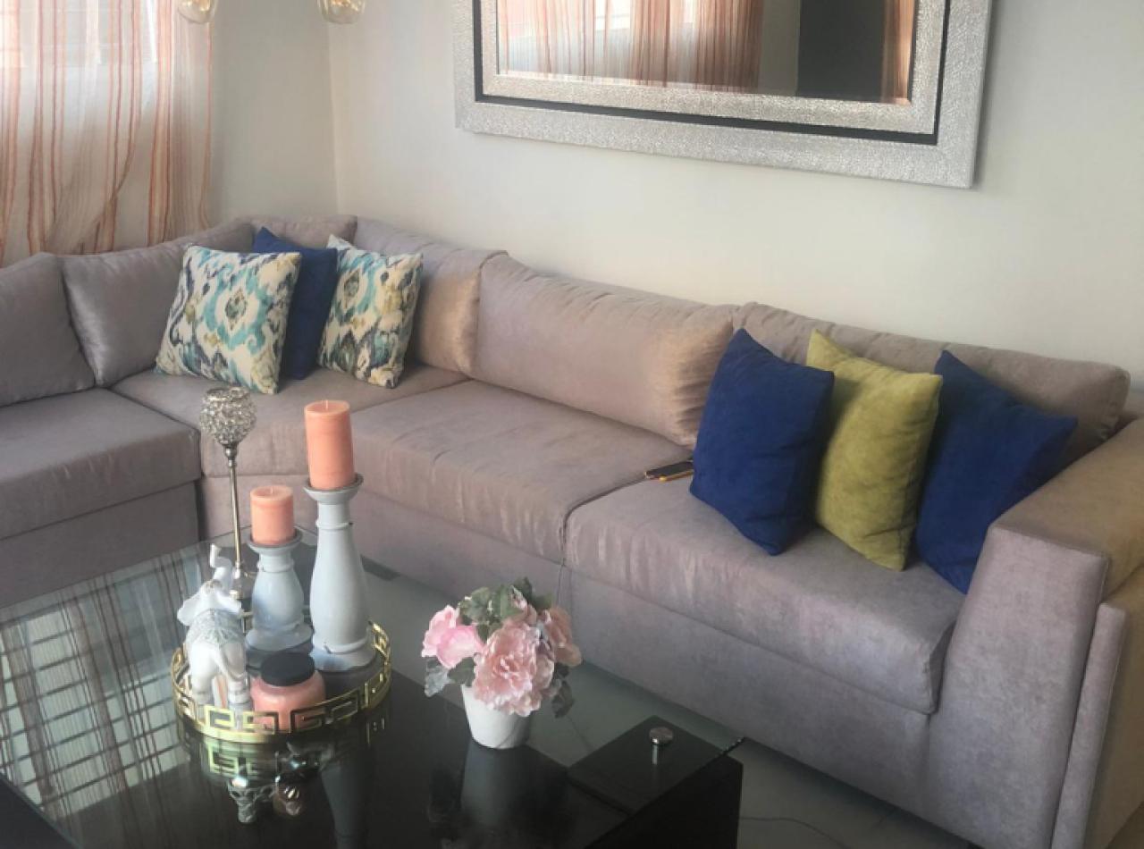 Amplio y cómodo apartamento disponible en Los Laureles, Santiago.