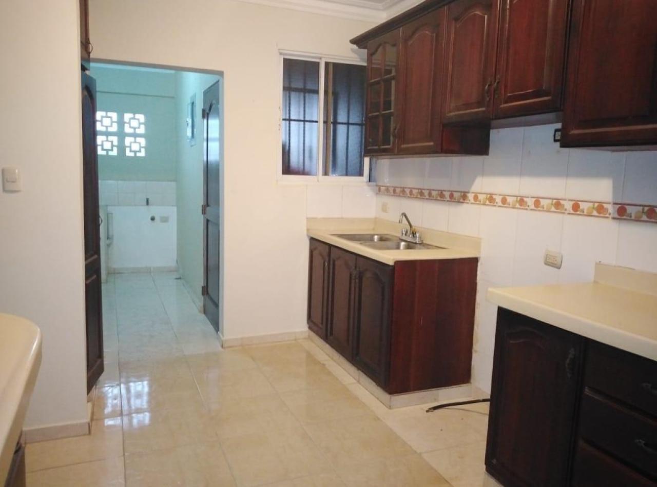 Amplio Apartamento en Gurabo, Residencial Brunis Deluxe, Santiago