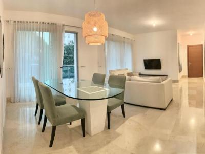 Fino Apartamento Amueblado en la Esmeralda, Torre Boheme