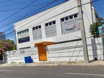 Amplio Local Comercial en Renta en Los Jardines Metropolitanos