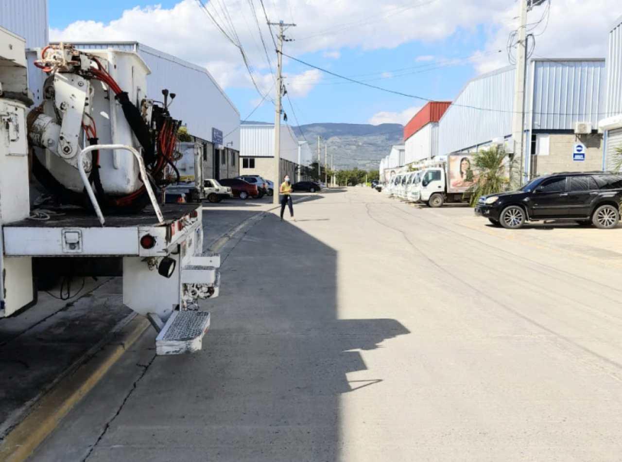 Se Alquilan Naves Industriales en la Autopista Joaquín Balaguer, Santiago