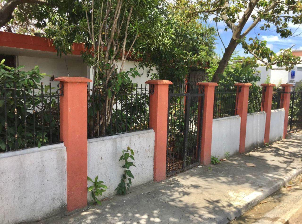 Casa Disponible para Negocio en los Jardines Metropolitanos