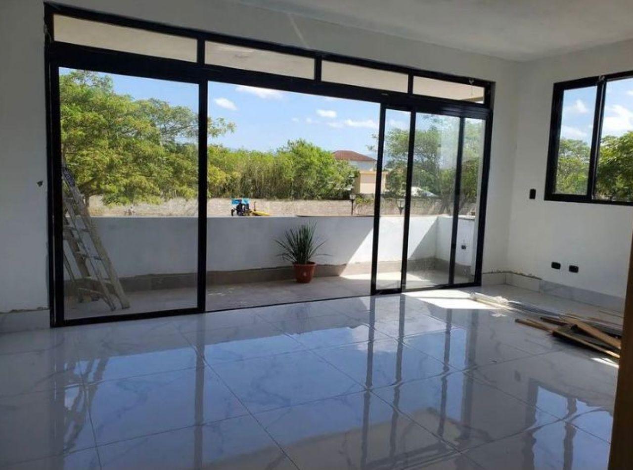 Moderna Casa en Terminación, Disponible en Los Samanes