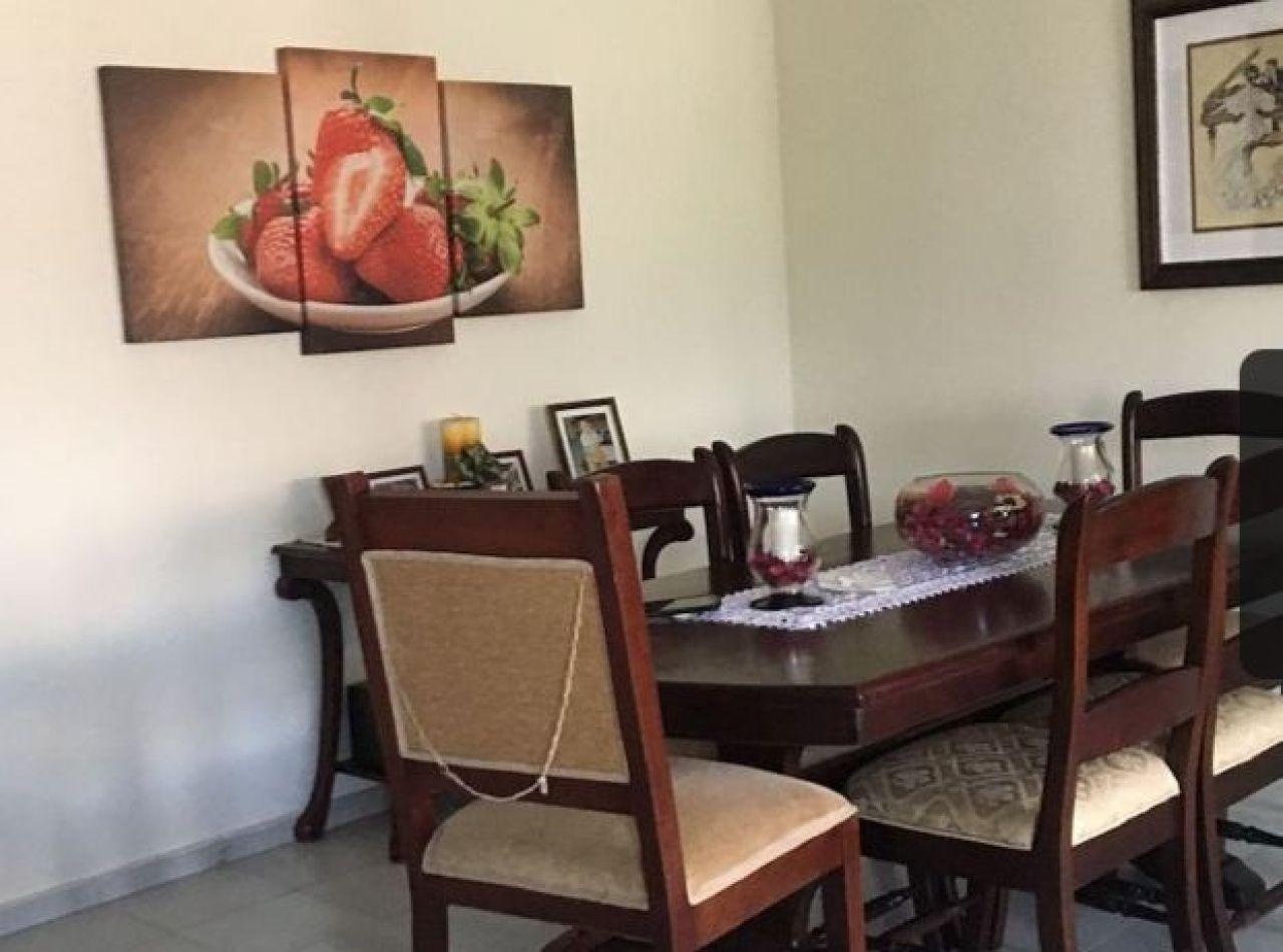 Apartamento con Piscina en Reparto Imperial