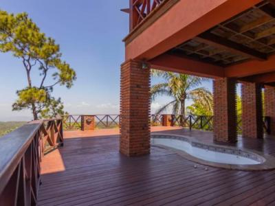 Villa con Hermosa Vista en Venta