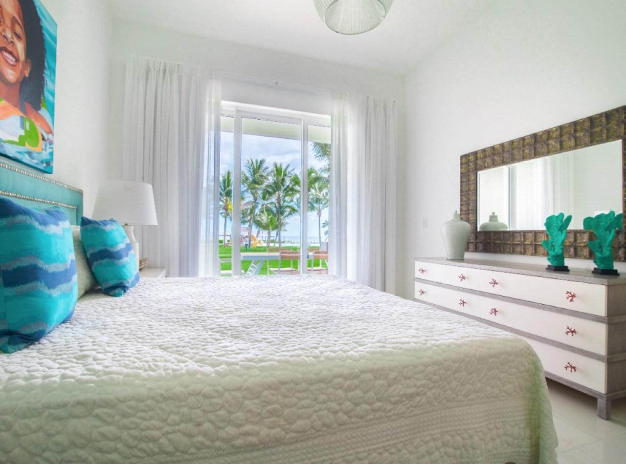 Exclusiva Villa Disponible frente al Campo de Golf en TORTUGA BAY