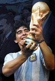 maradona-campeon-del-mundo% - Hasta siempre Diego ... lo que tus pies te dieron te lo quitó tu mala cabeza