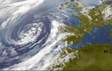 tormenta% - IAG sufre el ambiente de crisis interior  y las restricciones impuestas del exterior