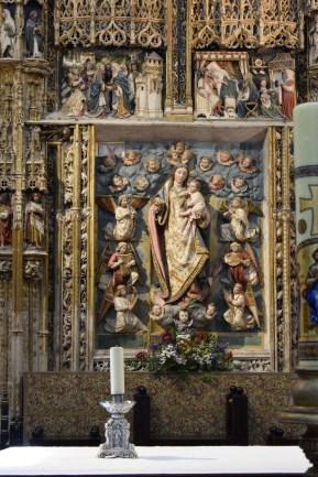 Virgen de El Paular, en el retablo mayor.