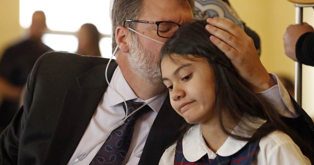 12-Year-Old Sues Attorney General Jeff Sessions to Legalize Medical Marijuana