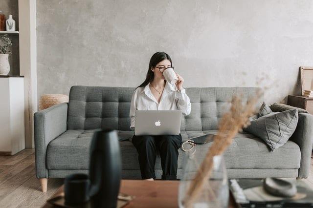 Read more about the article Femmes managers de proximité hypersollicitées et bien-être au travail : l'importance de l'intelligence émotionnelle