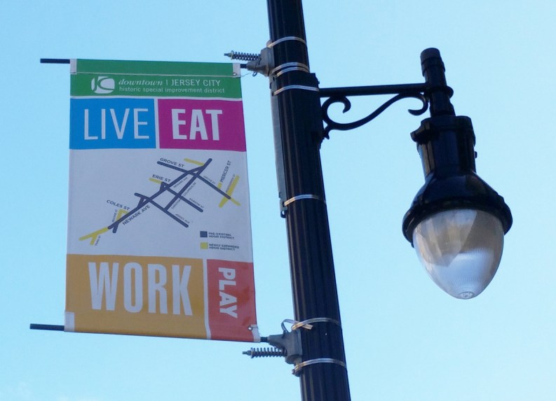 Live-Eat-Work-Place-DowntownHSID