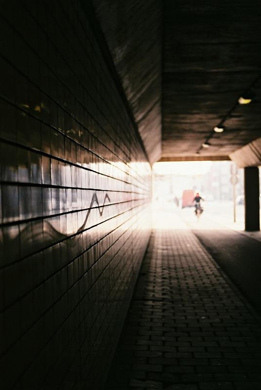 トンネルに射す光