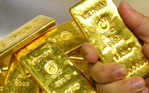 Vietnam in gold spree to support dong