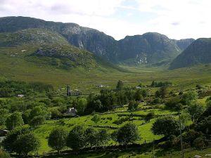 Dunlewy_mountains_Ireland