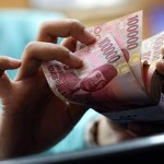 Indonesia rupiah hits 17-year low on slowing economy