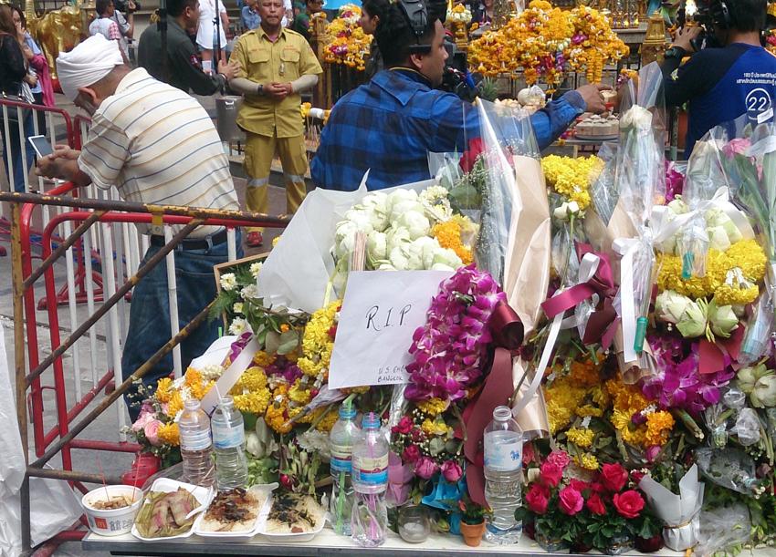 Bangkok blast a hard blow for Thai tourism recovery (photoblog)