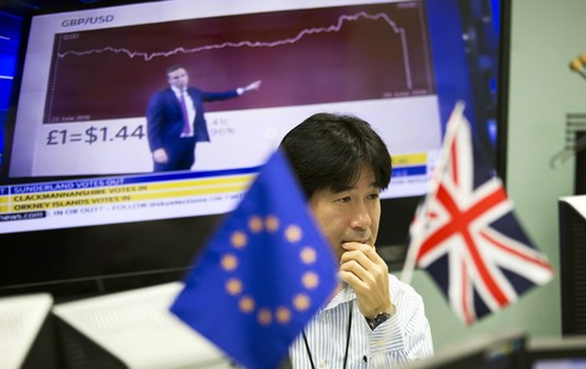 Asia markets in tailspin after Brexit vote, pound tumbles