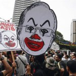 "Students rally for arrest of ""Malaysia Official 1"" in 1MDB case"