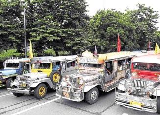 "Duterte clashes with Jeepney drivers, but ""open for dialogue"""