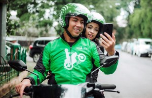 Indonesia's ride-hailing app Go-Jek considers stock listing