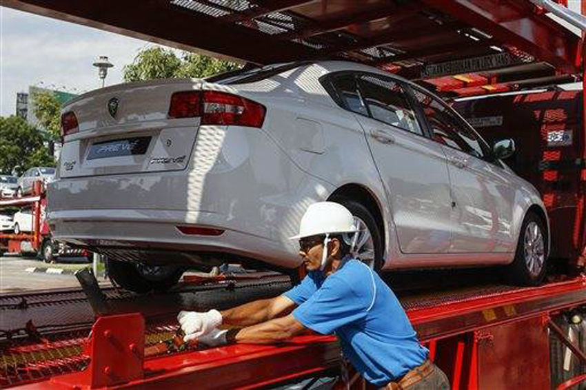 Mahathir dreams of new national car for Malaysia