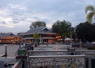 Brunei sea prominade in Bandar Seri Begawan_Arno Maierbrugger