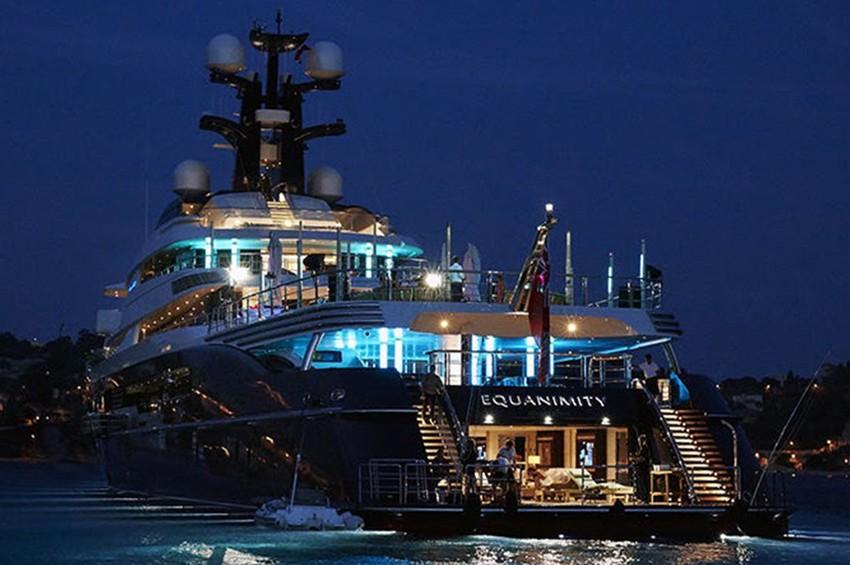 Malaysia auctions off 1MDB-linked superyacht