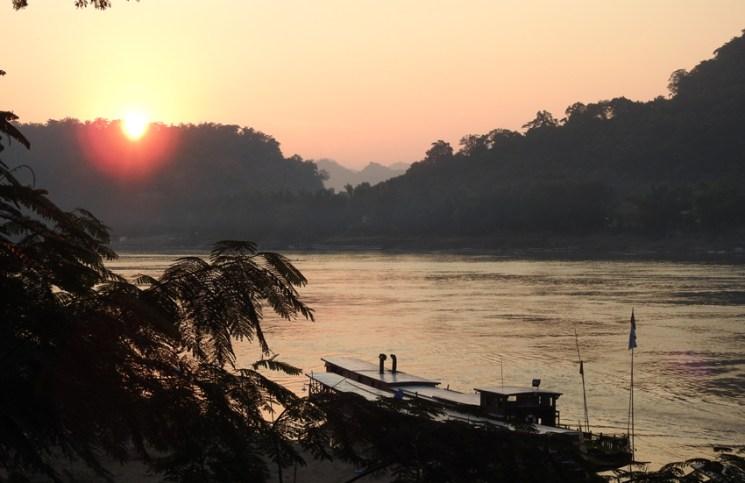Mekong sunset Luang Prabang_Arno Maierbrugger