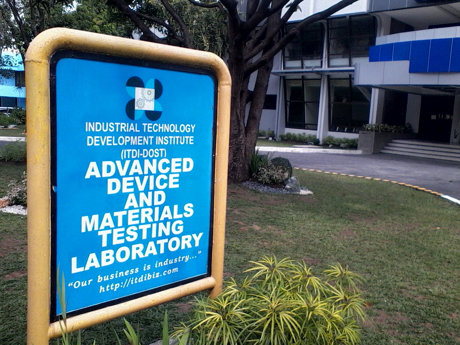 Philippines gets first semiconductor lab