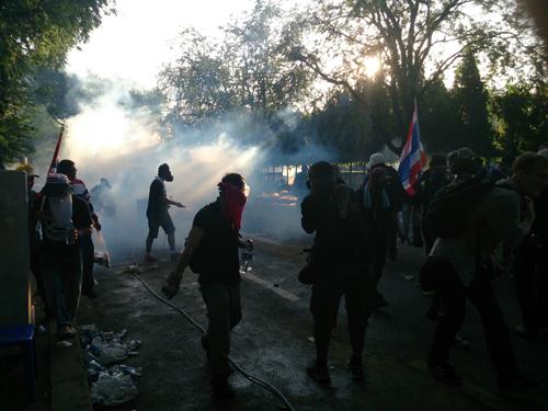Bangkok-riots-Dec-2013_15_Arno Maierbrugger