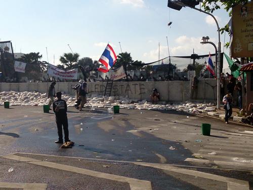 Bangkok-riots-Dec-2013_4_Arno Maierbrugger