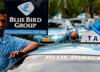 Indonesia's Blue Bird taxis steer towards IPO