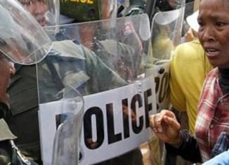 Cambodia's 400 garment factories shut down