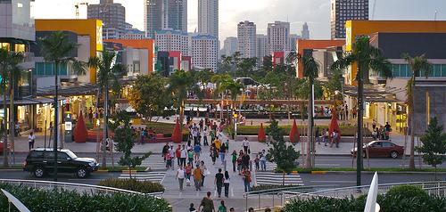 Fort Bonifacio: Manila's alluring anomaly