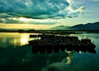 Hiền Lương River At Sunset