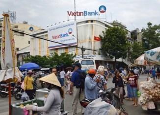 Vietnam plans $1 billion bond sale