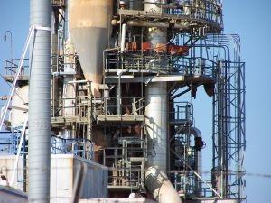 Oilrefinery2