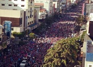 Massive street protests in Phnom Penh