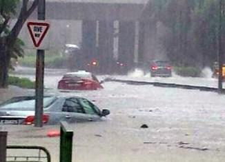 Heavy flash floods hit Singapore