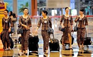 Singapore-Airlines-Flight-Attendants