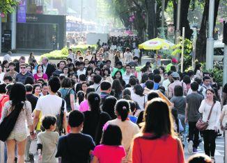 Singapore 'needs population of 10 million'