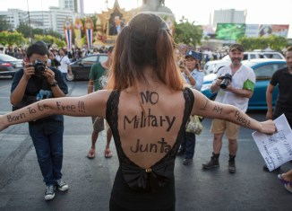 Moody's: Thailand coup makes economic woes worse