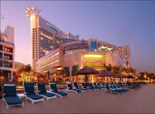 Hotel Beach Rotana Towers