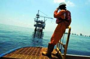 indonesia oil-worker